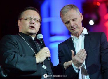 """""""Usłyszeliśmy twarz Boga"""" – cuda, gwiazdy i niespodzianki koncertu Deus Meus (FOTO i WIDEO)"""