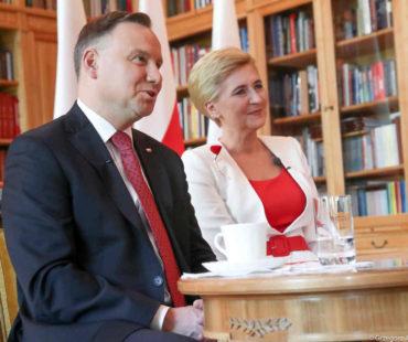 Para prezydencka_Andrzej Duda_Agata_Kornhauser_Duda_dary_Wilno (4)_small